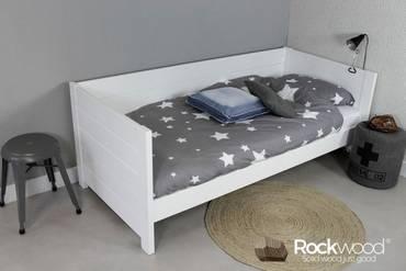 https://afbeelding.rockwoodkinderbedden.nl/images/BBSW/Rockwood-Kinderbedden-Bedbank-Sam-Wit-3_klein.jpg