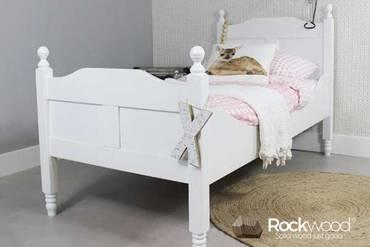 https://afbeelding.rockwoodkinderbedden.nl/images/PBAM/Rockwood-Kinderbedden-Peuterbed-Amalia-Wit-3_klein.jpg
