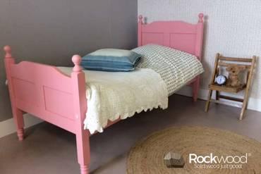 https://afbeelding.rockwoodkinderbedden.nl/images/PBAMP/Rockwood-Kinderbedden-Peuterbed-Amalia-Pink-3_klein.jpg