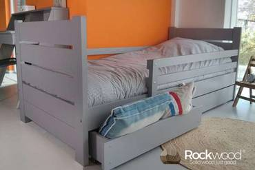 https://afbeelding.rockwoodkinderbedden.nl/images/PBMMG/Rockwood-Peuterbed-Milly-&-Mo-Wit-2_klein.jpg